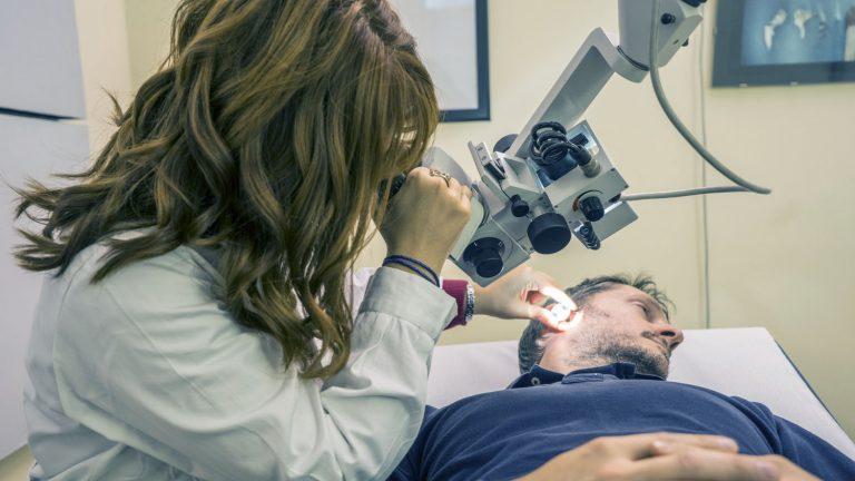 Sordità neurosensoriale: cause, sintomi e terapia