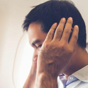 orecchio tappato aereo