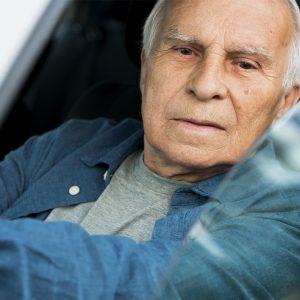Sei sordo? Via la patente… se non usi un apparecchio acustico!
